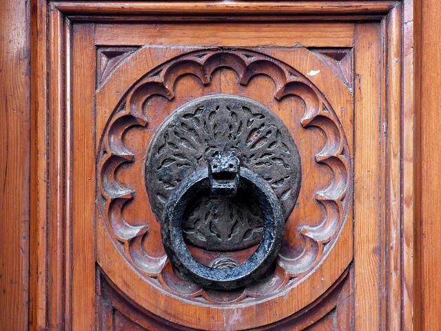 Pasos para sustituir una puerta con su guía