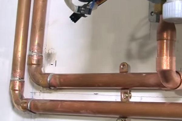 Precio promedio de la instalación de un calentador de gas propano.